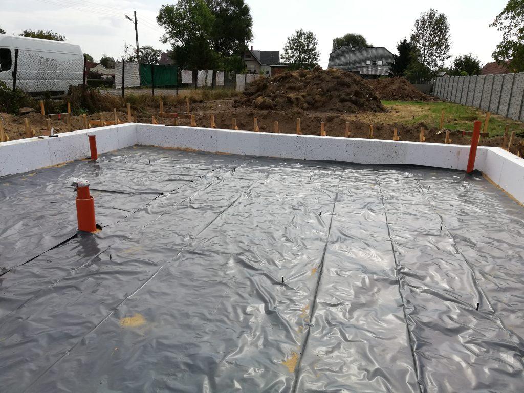 folia-pod-chudziak-plyta-fundamentowa-chudy-beton.
