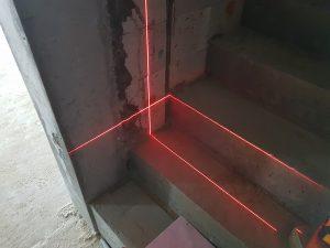 wyznaczanie gniazd, ustalanie punktów oświetlenia, laser